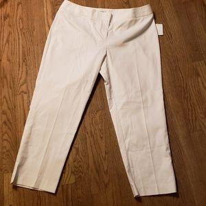 Fashion bug white crop pants. Size 16